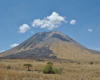 Ol Doinyo Lengai - 2960 m